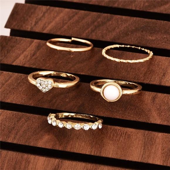 Jewelry - New 5 Pc Midi Ring Set